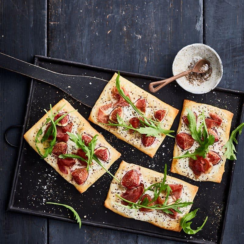 Photo de Mini pizzas au jambon de Parme et aux figues prise par WW