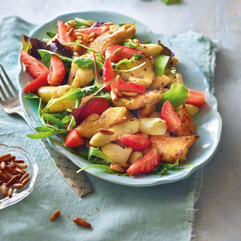 Foto Erdbeer-Spargel-Salat mit Pouletbrust von WW