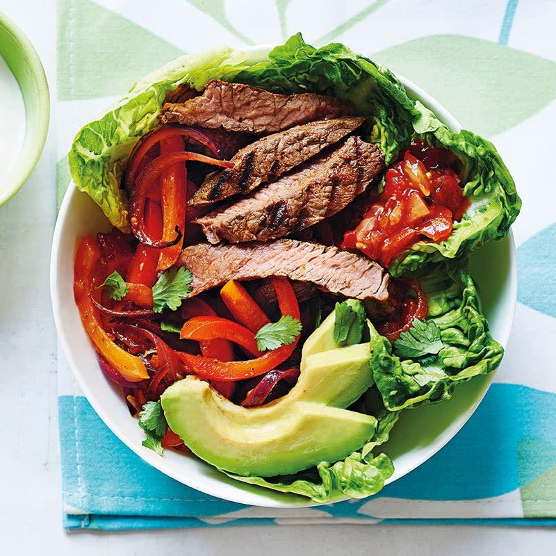 Foto Rindsfiletstreifen und Gemüse auf Salat von WW