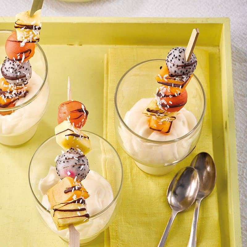 Photo de Brochettes de fruits exotiques et crème de coco prise par WW