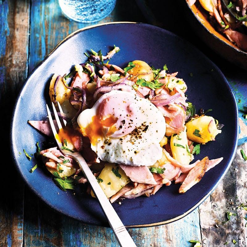 Photo de Poêlée de pommes de terre aux œufs pochés prise par WW