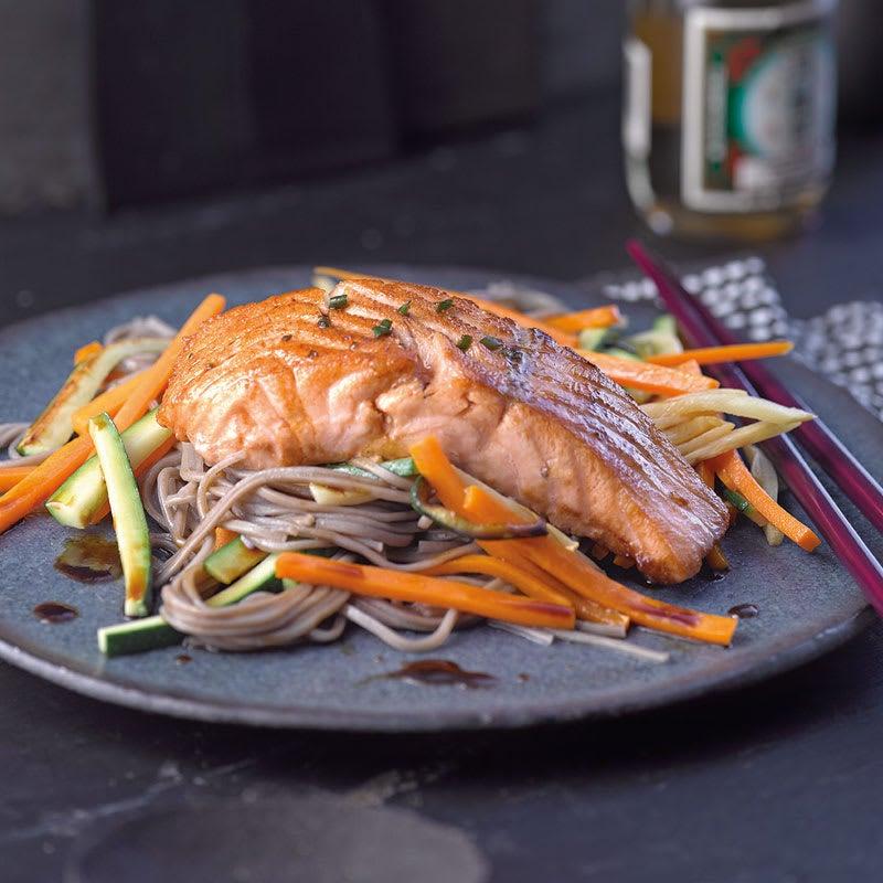 Photo de Filet de saumon et nouilles soba prise par WW