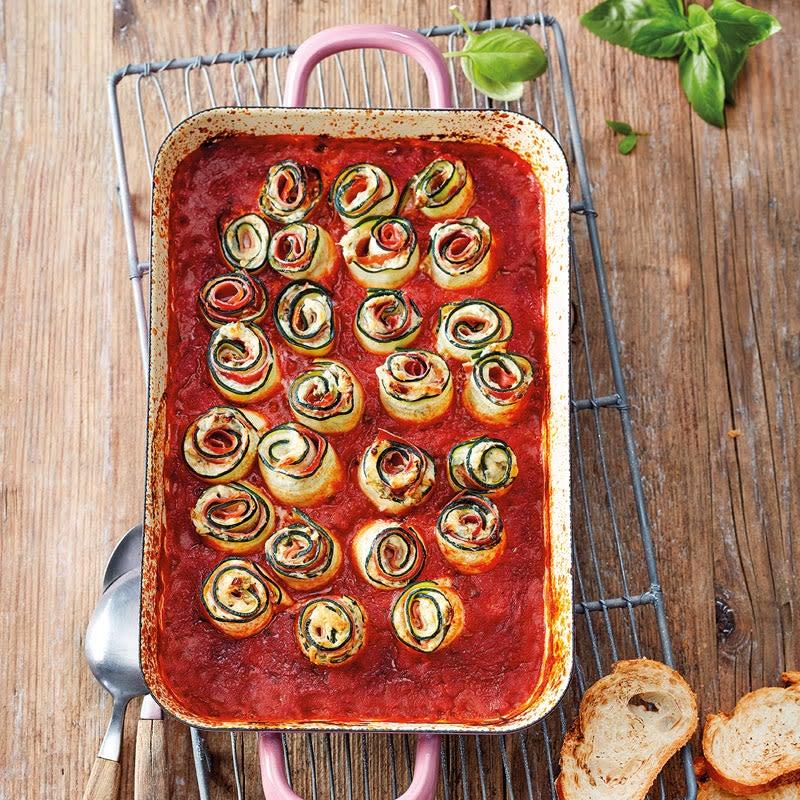 Foto Zucchini-Frischkäse-Röllchen in Tomatensauce von WW