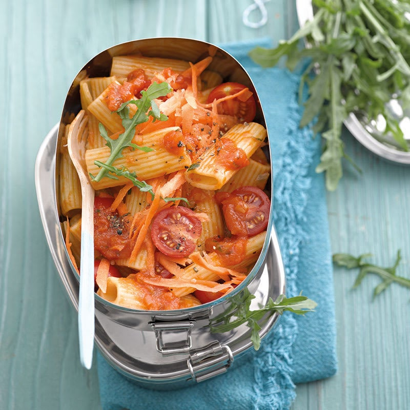 Foto Rigatoni-Salat mit Tomatendressing von WW