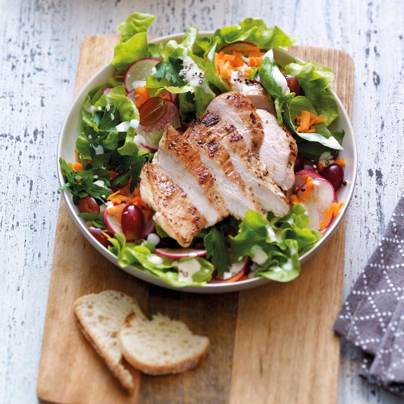 Photo de Salade de printemps au poulet et au yogourt prise par WW