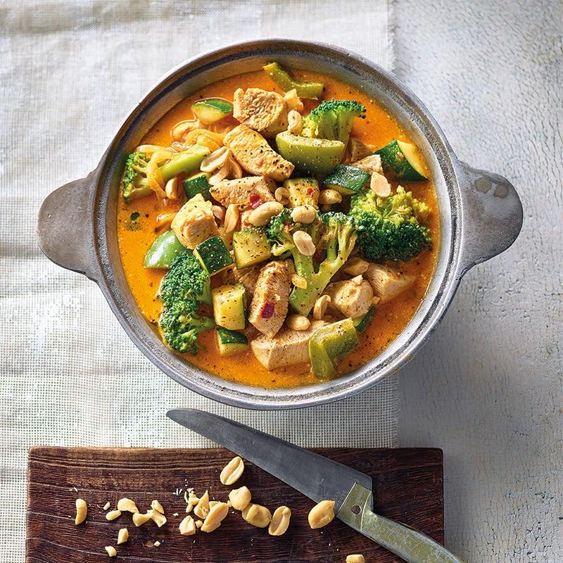 Photo de Poulet au curry massaman et aux cacahuètes prise par WW