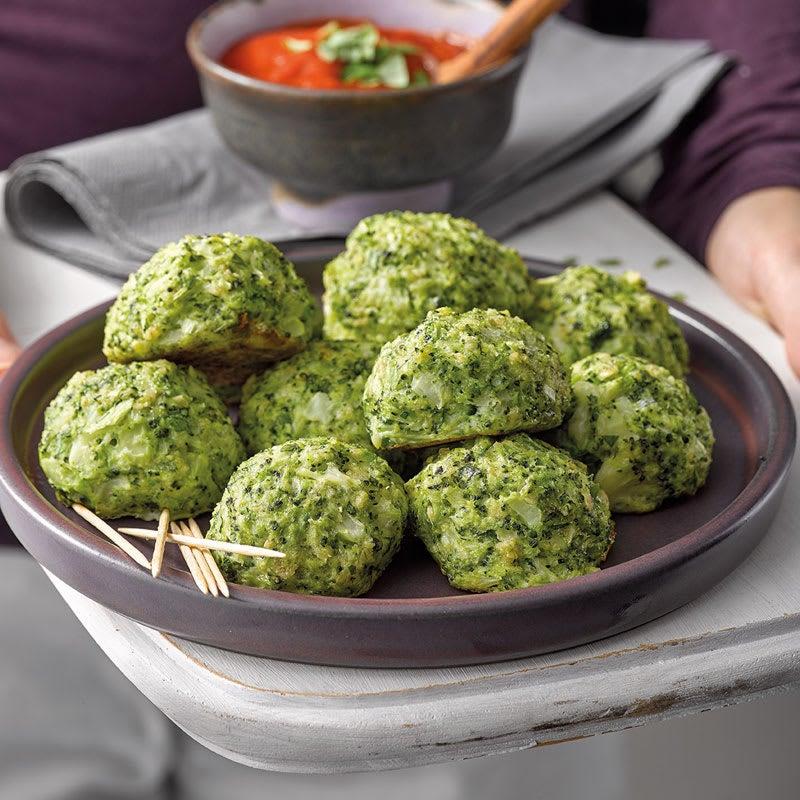 Foto Broccoli-Käse-Bällchen mit Tomatendip von WW