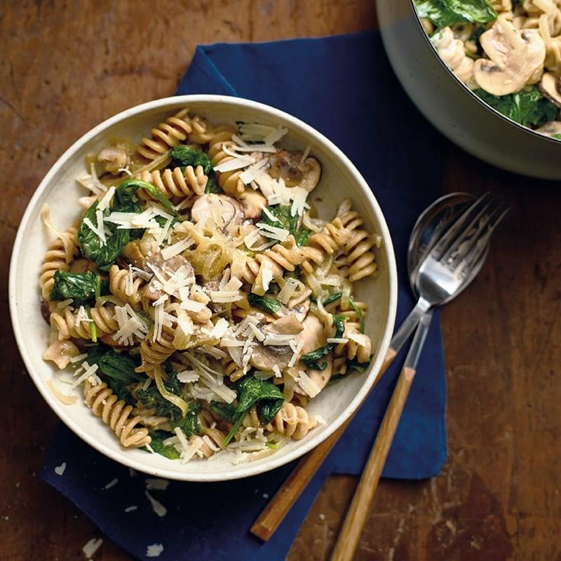 Foto One-Pot-Pasta mit Champignons und Spinat von WW