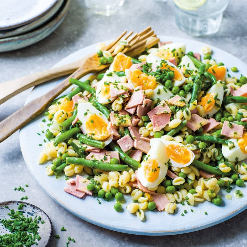 Photo de Salade de haricots et de pâtes aux œufs et au jambon prise par WW