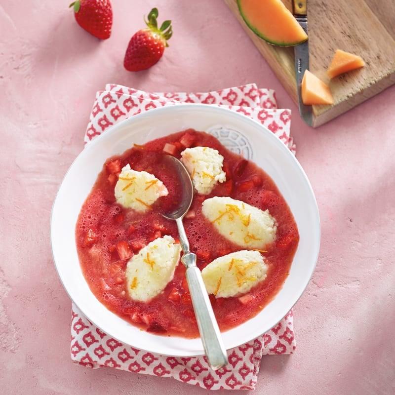 Foto Erdbeer-Melonen-Kaltschale mit Milchreisnocken von WW