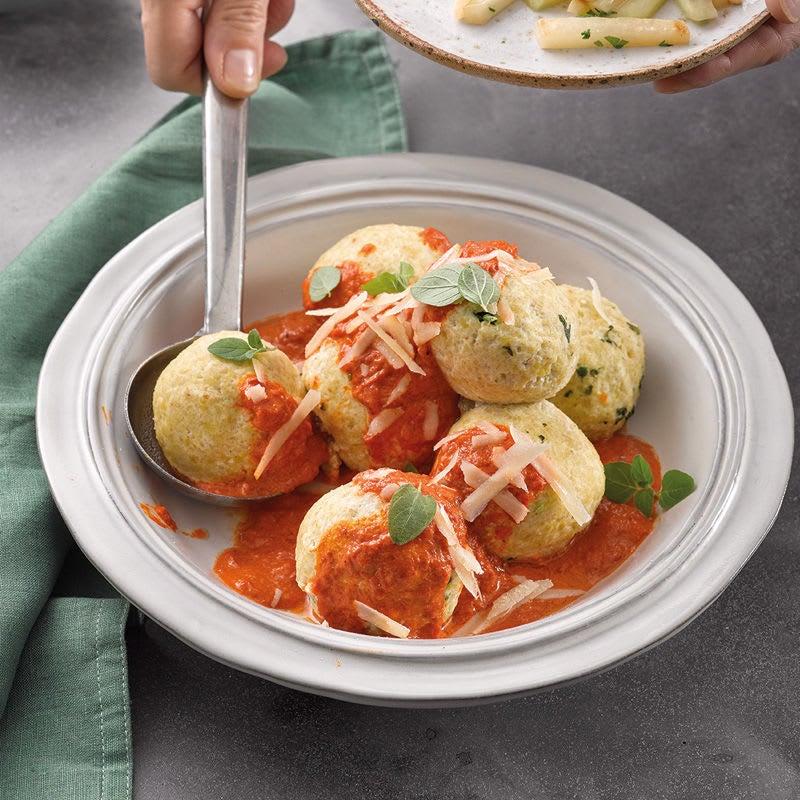 Photo de Knödel aux épinards et sauce au poivron prise par WW