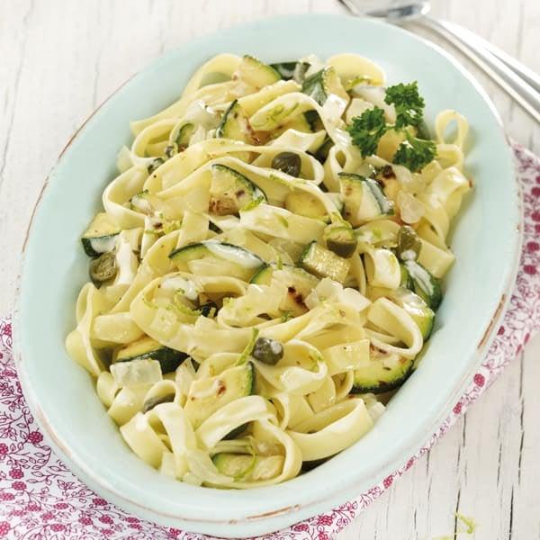 Foto Nudeln mit Zucchini-Limetten-Sauce von WW