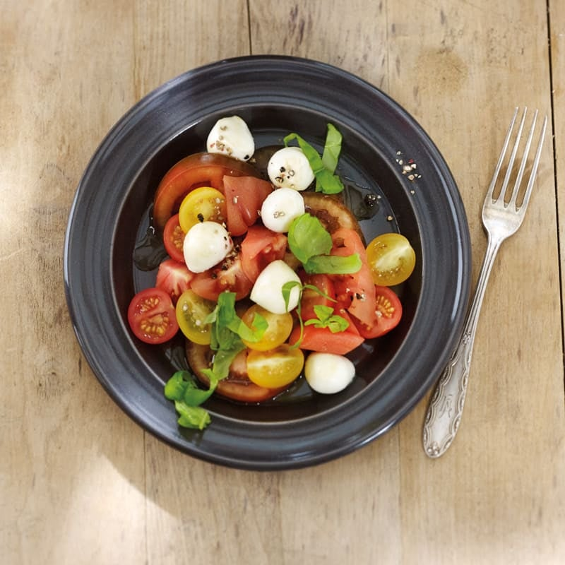 Foto Bunter Tomatensalat mit Mozzarellakugeln von WW