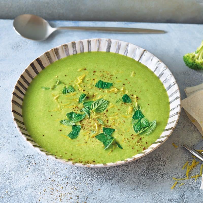 Foto Broccoli-Erbsen-Suppe mit Minze von WW