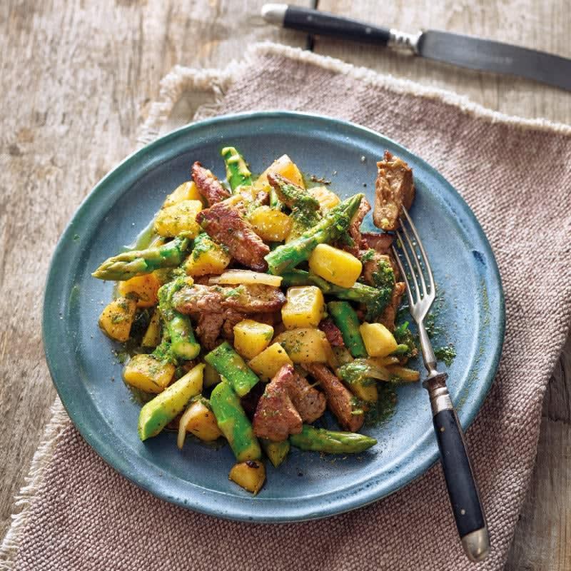 Photo de Poêlée de pommes de terre à l'estragon, asperges et bœuf prise par WW