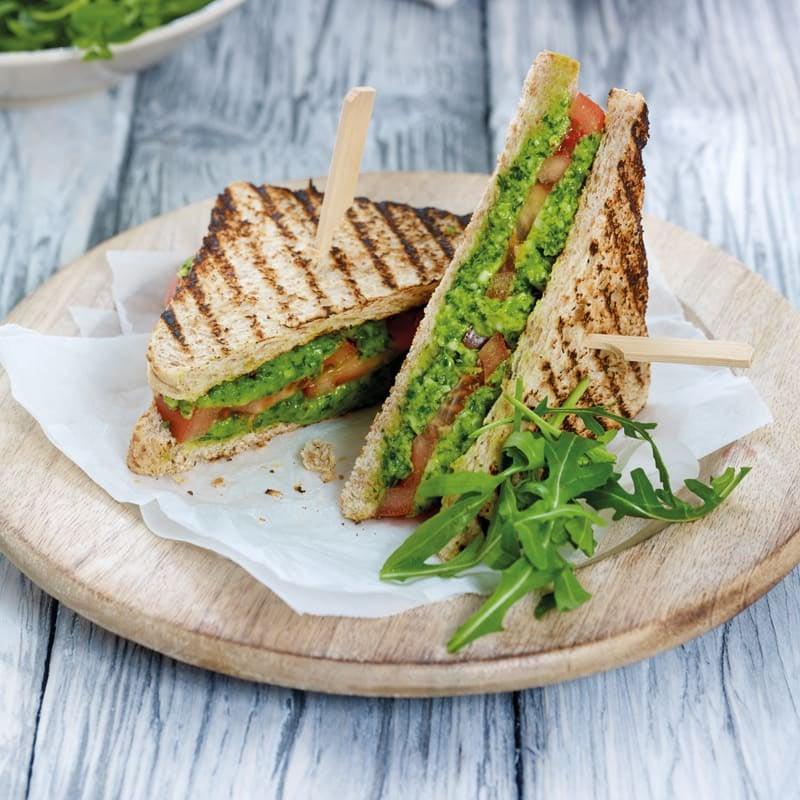 Foto Käse-Pesto-Sandwich mit Tomaten von WW