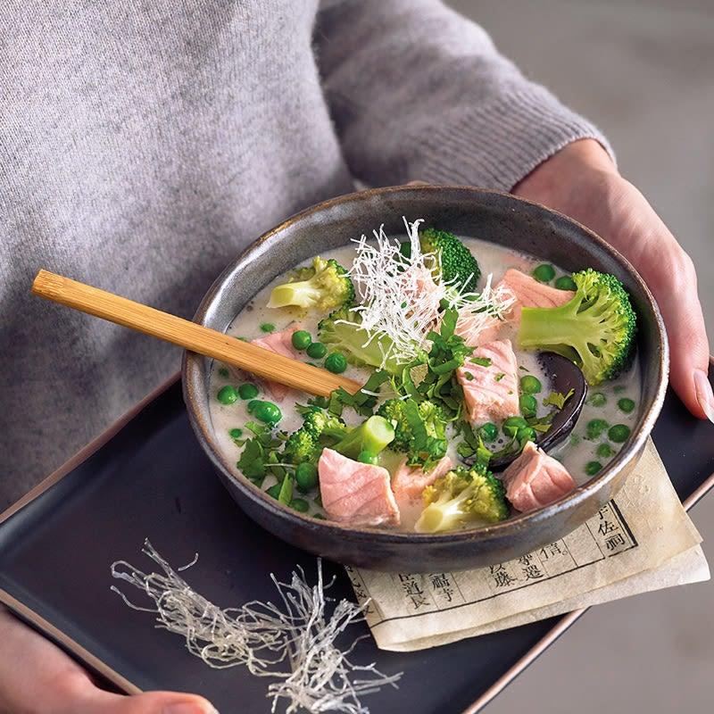 Photo de Soupe de coco aux dés de saumon prise par WW