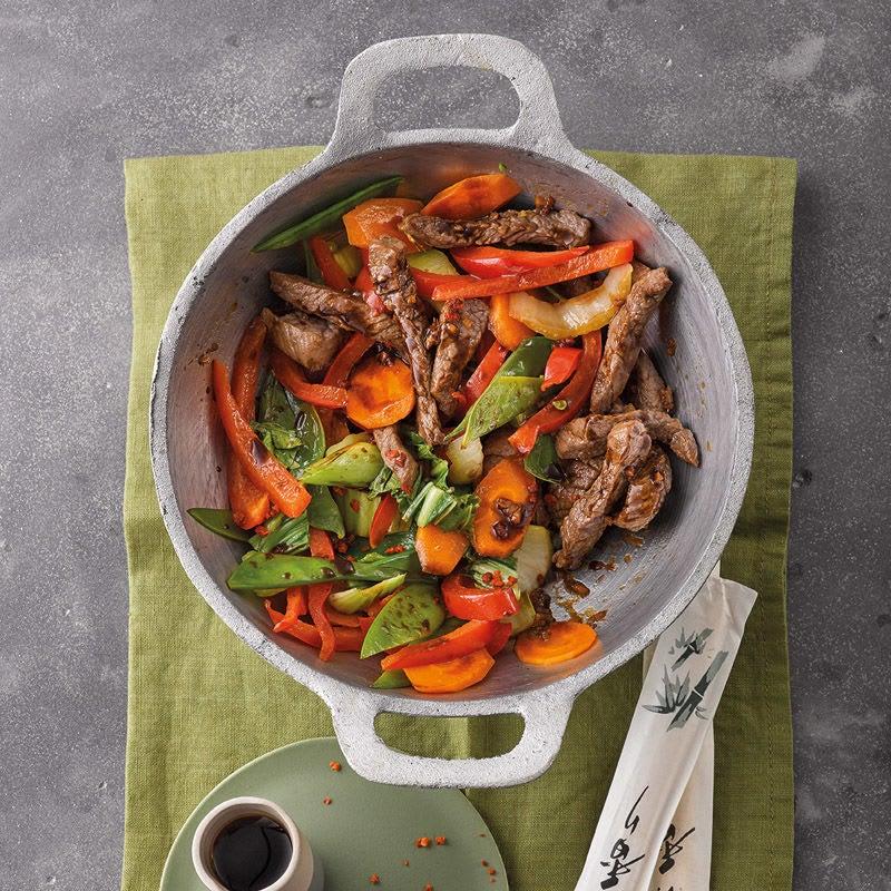 Foto Asia-Wokgemüse mit Steakstreifen von WW