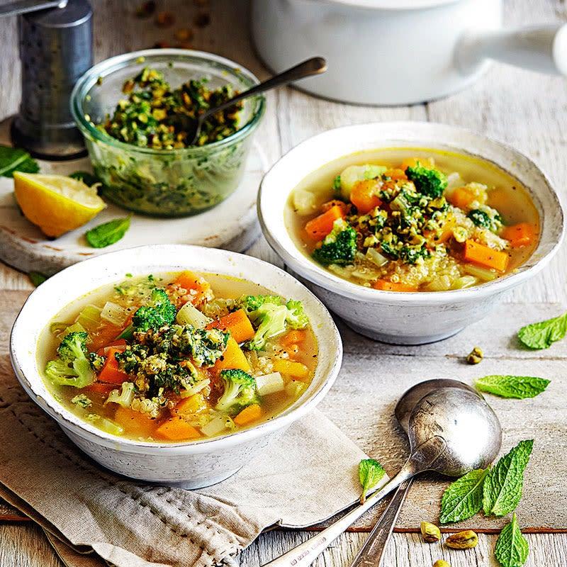 Photo de Soupe de légumes et son pesto de menthe prise par WW
