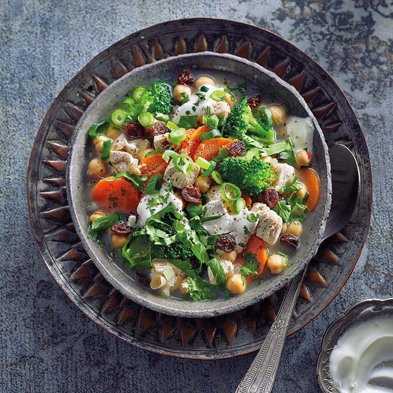 Photo de Soupe de poulet et yogourt aux raisins secs prise par WW