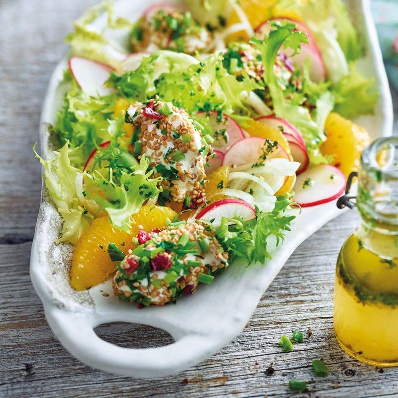 Foto Orangen-Frisée-Salat mit Frischkäsenocken von WW