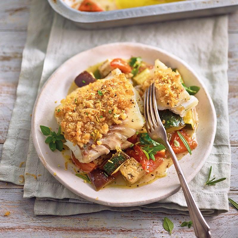 Photo de Filet de cabillaud en croûte de parmesan et légumes au four prise par WW