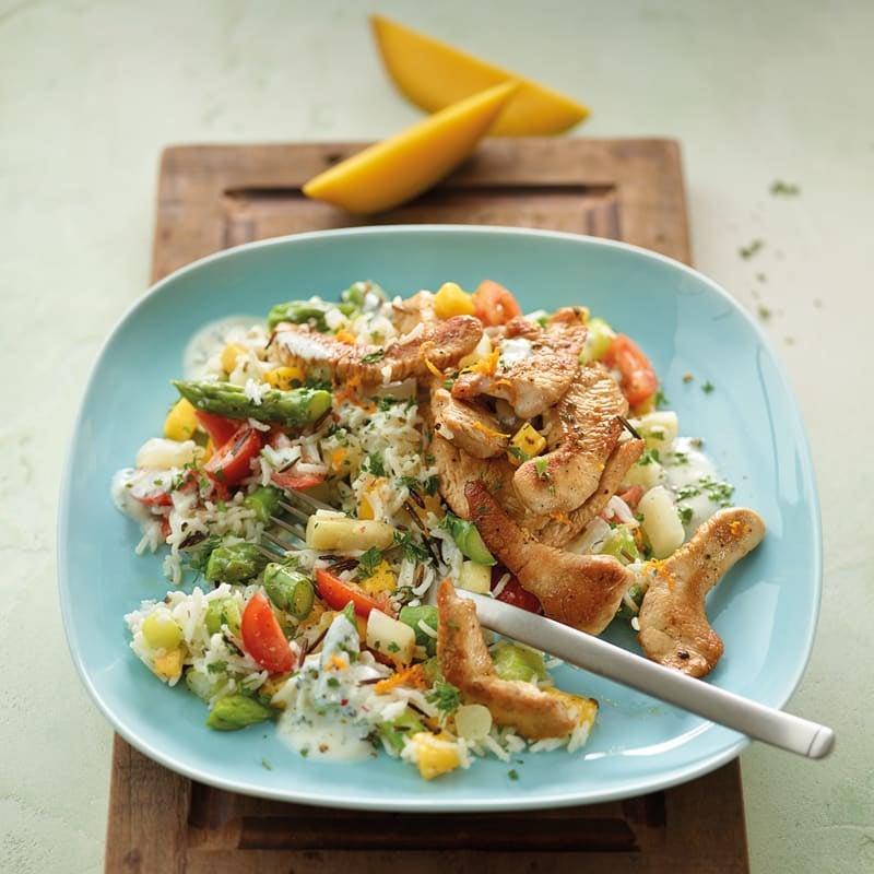 Foto Spargel-Reis-Salat mit Trutenbrust und Mango von WW