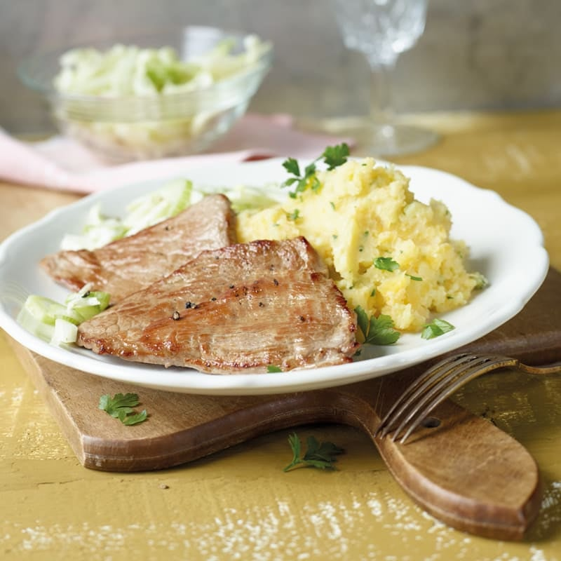 Foto Kartoffel-Steckrüben-Stampf mit Kalbsschnitzeln von WW