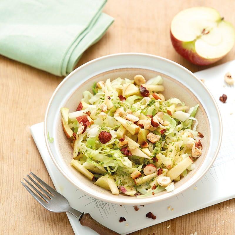 Foto Apfel-Kabis-Salat mit Haselnüssen von WW