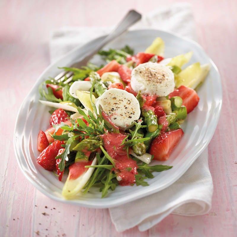 Photo de Salade d'asperges aux fraises et au chèvre prise par WW