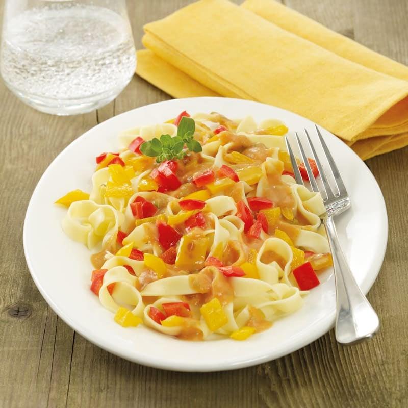 Photo de Pâtes sauce poivrons/amandes prise par WW