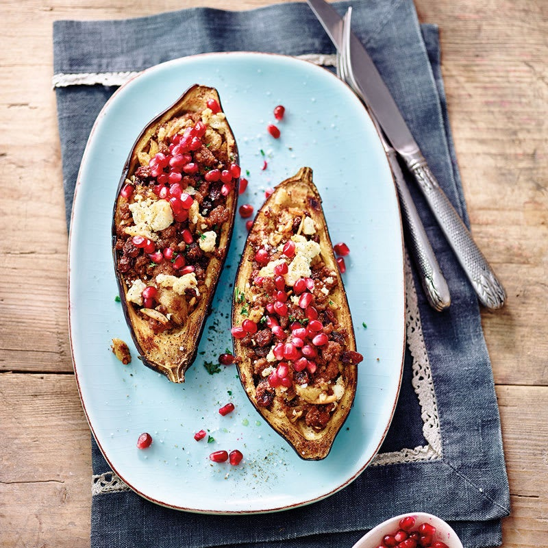 Foto Gefüllte Aubergine mit Hackfleisch und Granatapfel / Gefüllte Aubergine mit Tatar und Granatapfel von WW