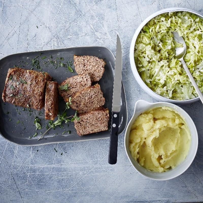 Photo de Pain de viande, chou frisé et purée de pommes de terre prise par WW