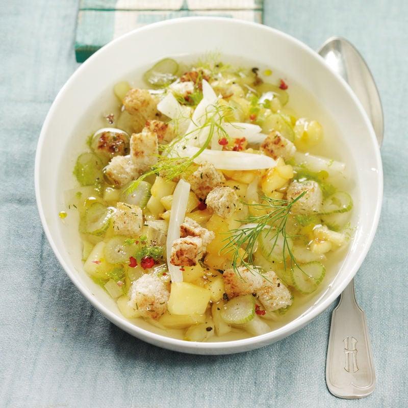 Foto Apfel-Fenchel-Suppe mit Dillcroûtons von WW