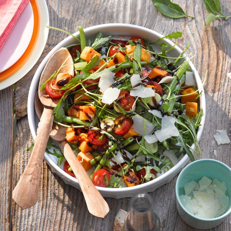 Photo de Salade de patates douces à la roquette et au parmesan prise par WW