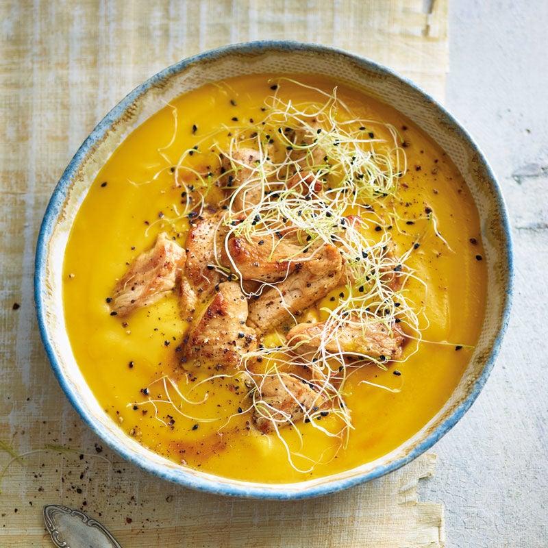 Foto Pastinaken-Karotten-Suppe mit marinierter Trutenbrust / Pastinaken-Karotten-Suppe mit marinierter Putenbrust von WW