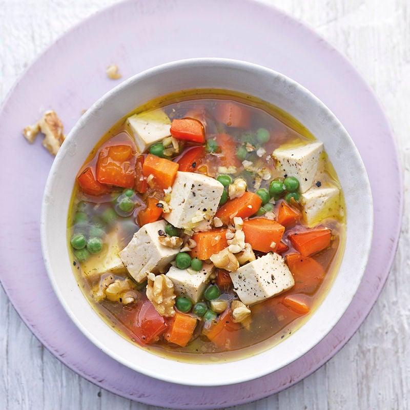 Foto Gemüsesuppe mit mariniertem Tofu von WW