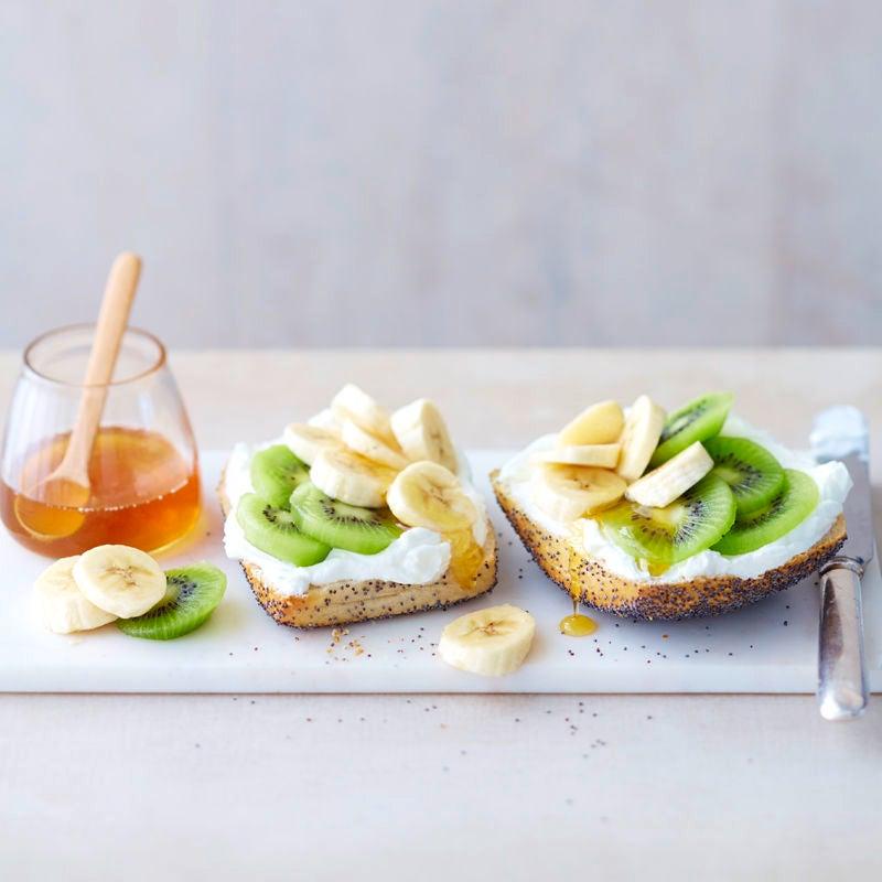 Photo de Petit pain au miel, kiwi et banane prise par WW
