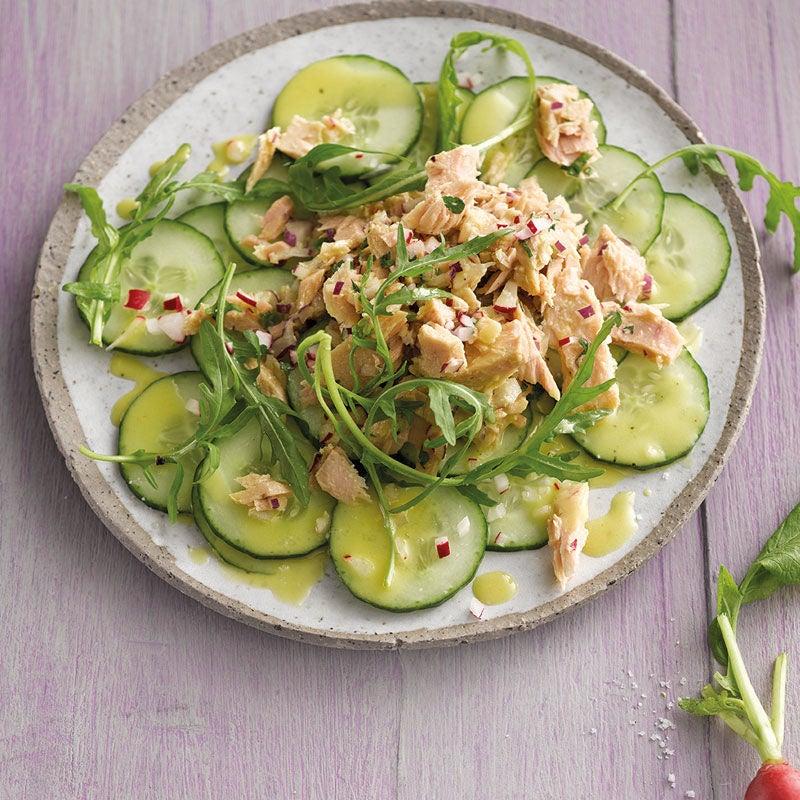 Photo de Salade de thon sur lit de rondelles de concombre prise par WW