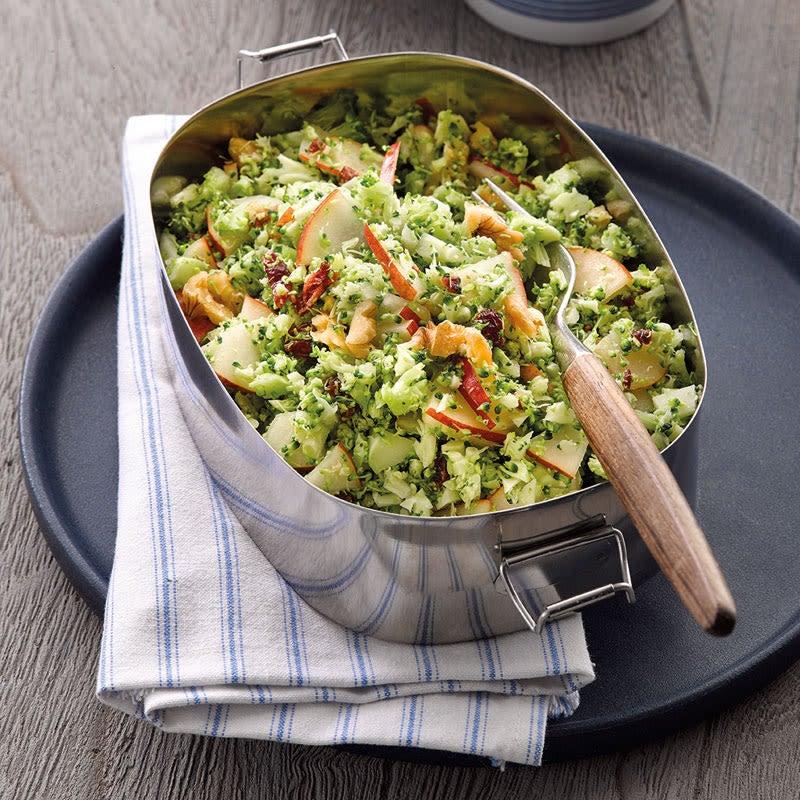 Foto Broccolisalat mit Baumnüssen von WW