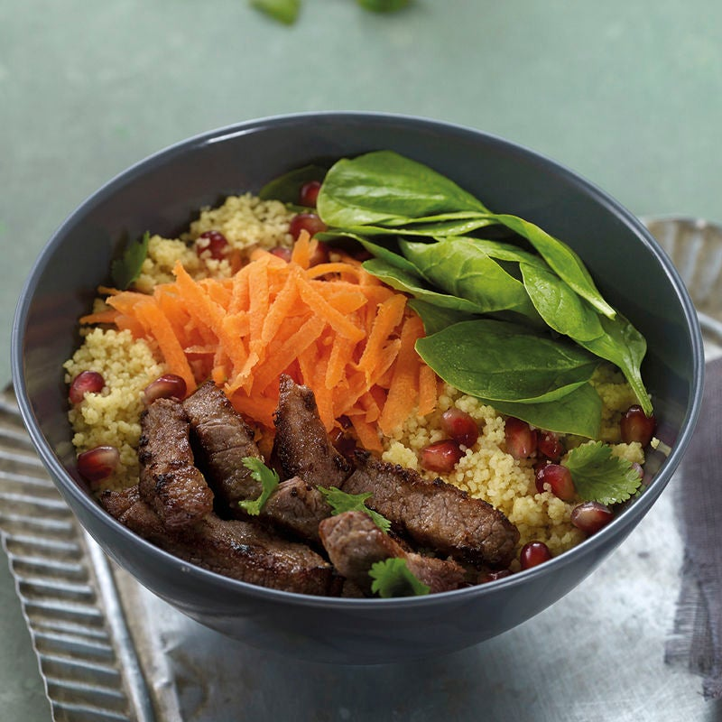 Foto Lunchbowl mit Couscous und Rindsfiletstreifen von WW