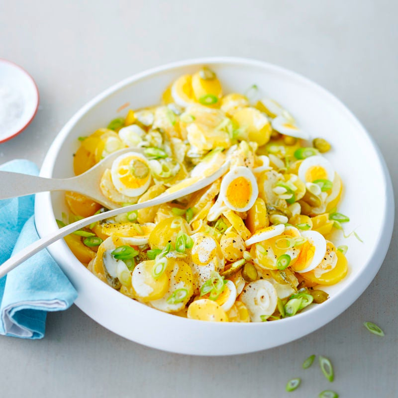 Foto Kartoffelsalat mit Cornichons und Ei von WW