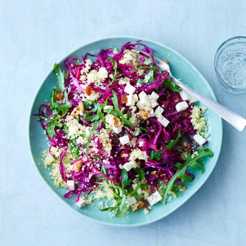 Photo de Salade de chou rouge, couscous, feta et noix prise par WW
