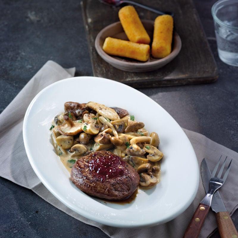 Photo de Steak de cerf aux champignons et croquettes prise par WW