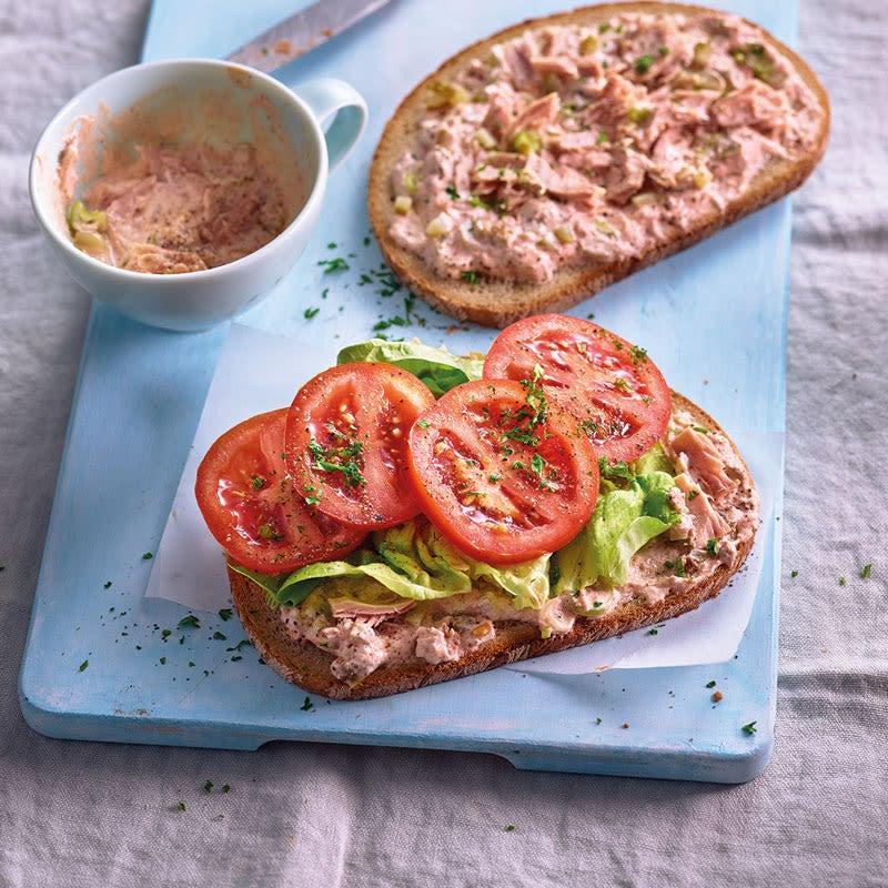 Photo de Sandwich au thon et aux tomates prise par WW