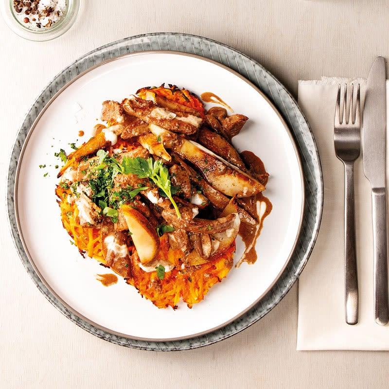 Photo de Émincé de porc à la poire avec röstis aux carottes et aux panais prise par WW
