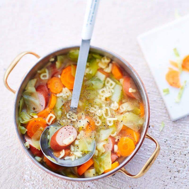 Photo de Soupe de légumes aux petites lettres et saucisses de Vienne prise par WW