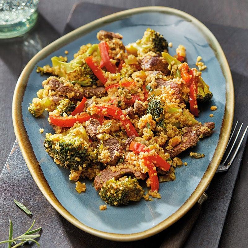 Photo de Poêlée de légumes multicolore à l'émincé de bœuf et au couscous prise par WW