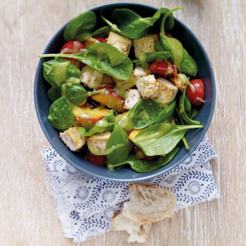 Photo de Salade estivale à la pêche et au tofu prise par WW