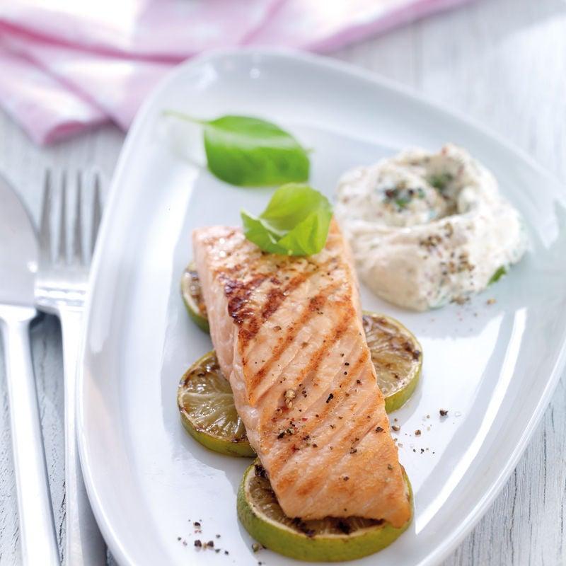 Photo de Filet de saumon et son dip au basilic prise par WW